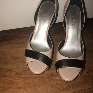 Shoe Dazzle Shoes - Shoe dazzle cream/nude + black heels SEXY